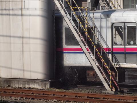 036_s_0146_e620_ed40-150_電車洗車_高幡不動_20110226.jpg