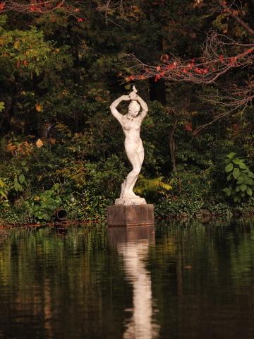 101_s_9189_ep1_50-200swd_彫刻_神代植物公園_20111127.jpg